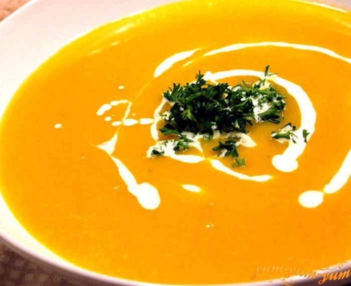 Суп-пюре из тыквы можно подавать на стол
