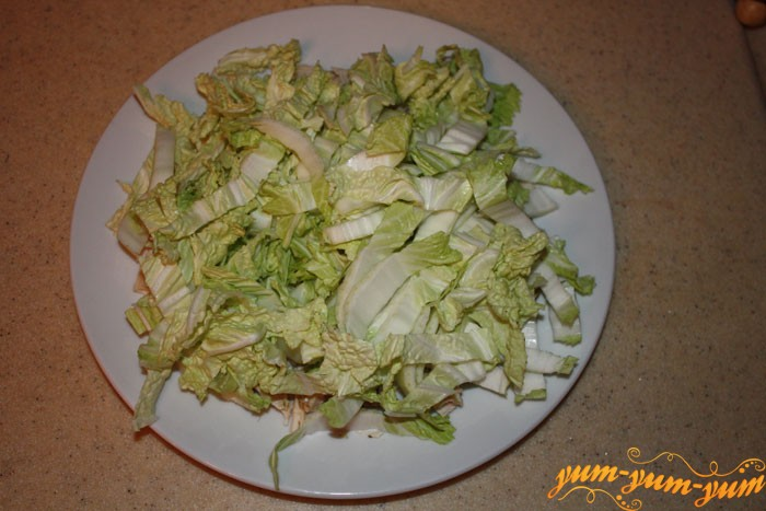 Нарезаем капусту для салата