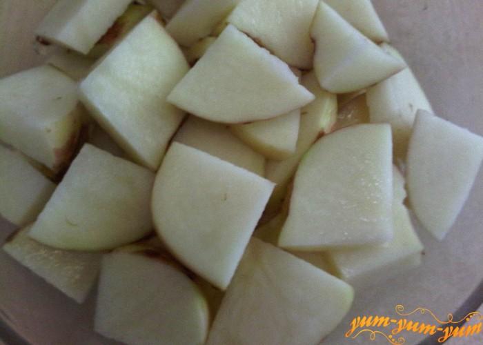 молодой картофель нарезать дольками для летнего борща