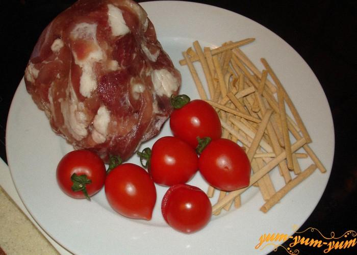 мясо и помидоры для лагмана