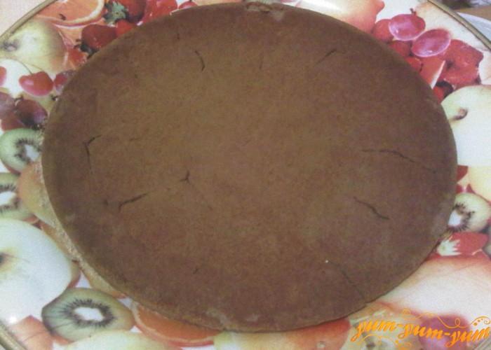 Охлаждаем основу для торта