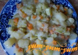 Рагу из кабачков и картофеля готово