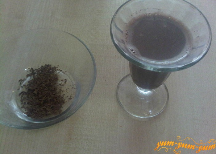 в готовое какао добавляем шоколад
