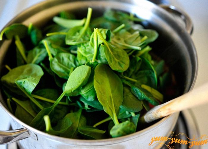 добавить в суп свежий шпинат