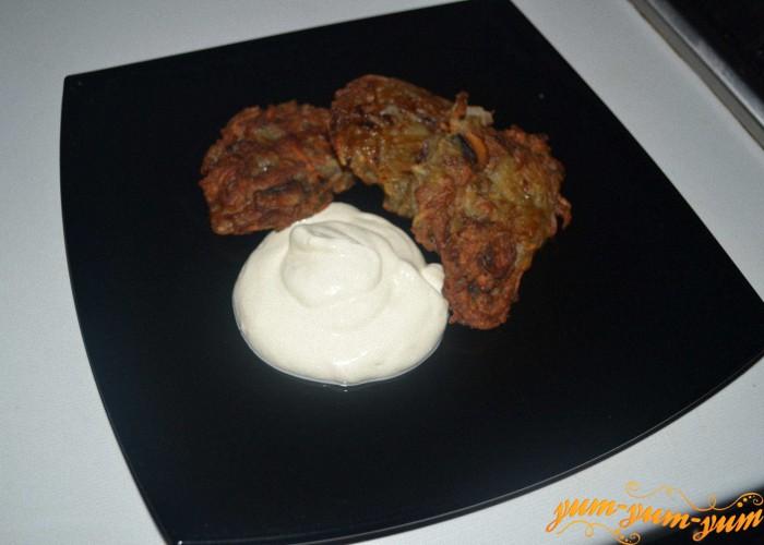 картофельные оладьи с шампиньонами подаем к столу