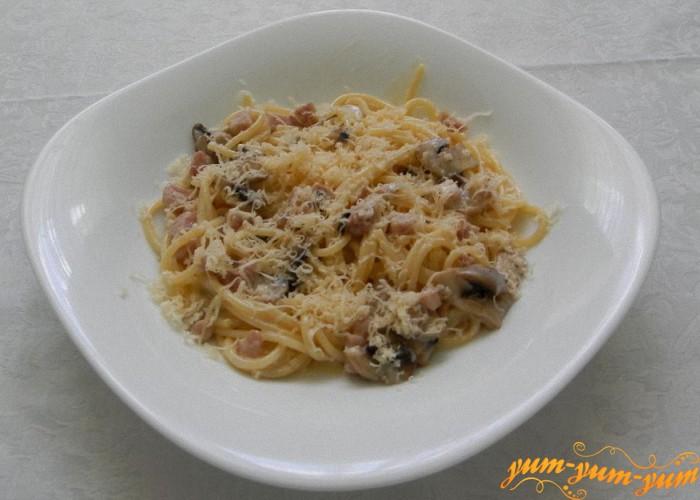 готовые спагетти подаем к столу