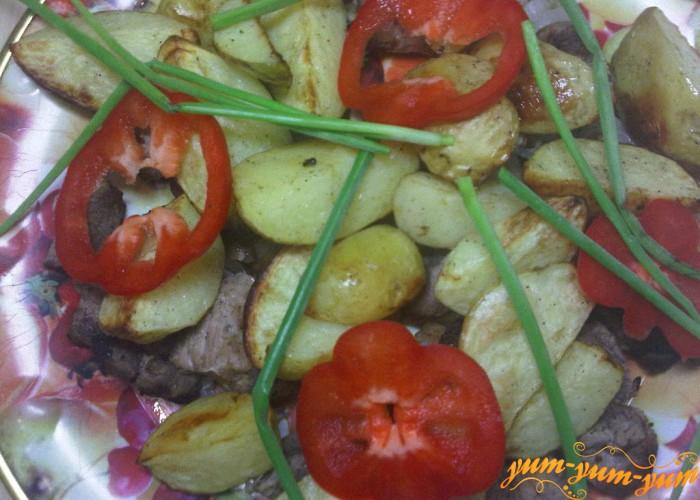 картофель с мясом подаем к столу