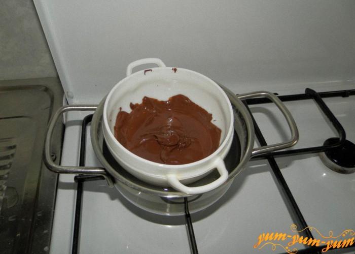 на бане растопить шоколад