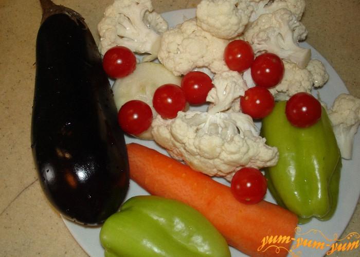 подготавливаем необходимые овощи