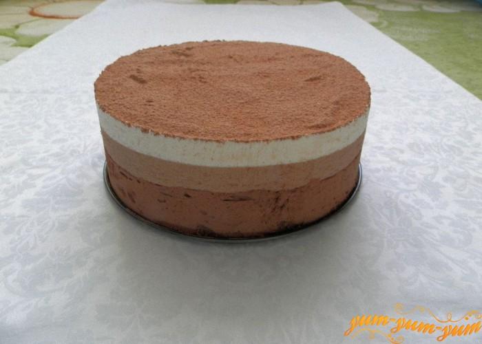 полученный торт посыпаем шоколадом