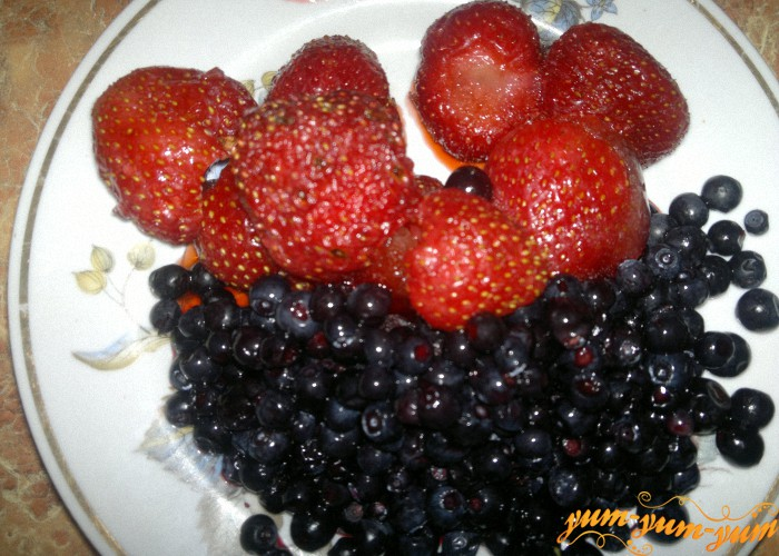 готовим начинку из ягод