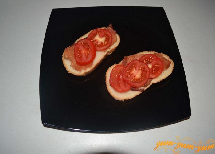 режем бутерброды и укладываем продукты