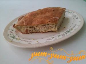 Готовый куриный пирог с соусом бешамель