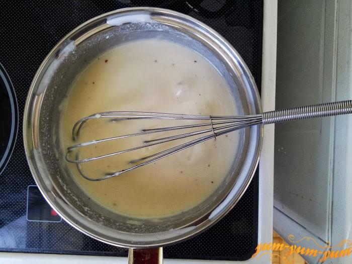 Готовим соус бешамель для пирога с курицей
