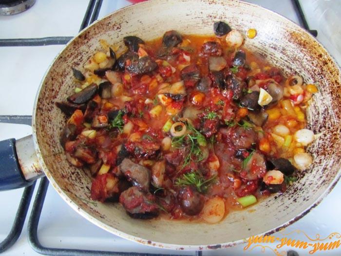 Тушим кабачки с фасолью и пряностями на сковороде