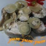 Приготовление запеченной скумбрии с луком