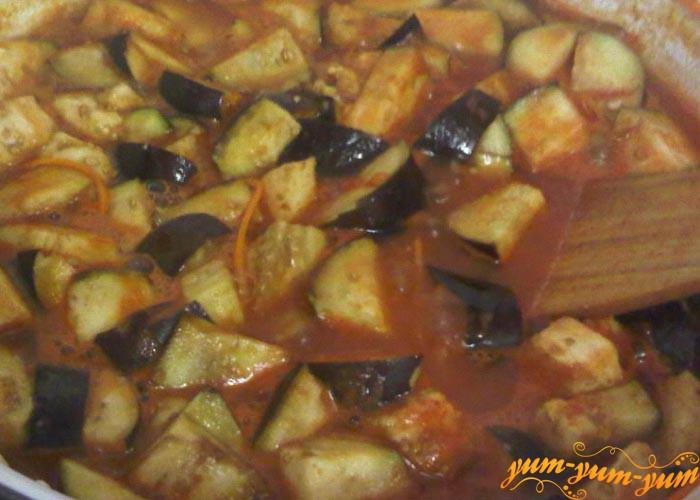Тушим овощи в томатном соусе