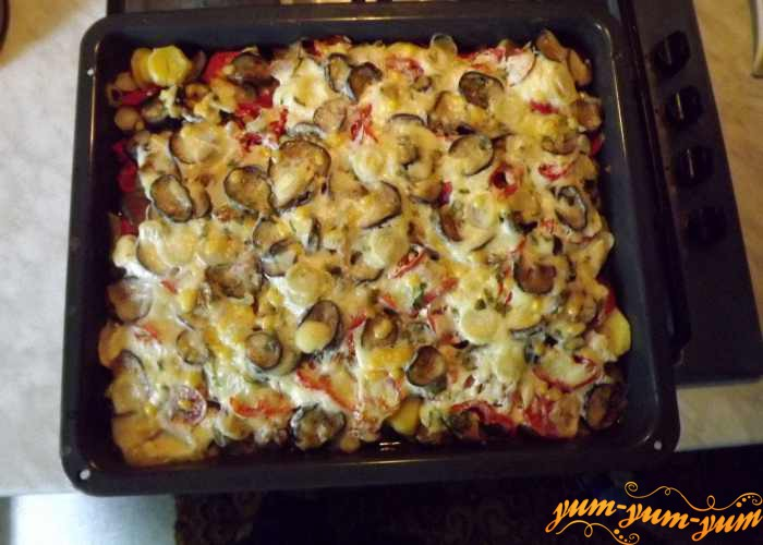 Куриное филе запеченное в духовке с помидорами и перцем можно подавать к столу
