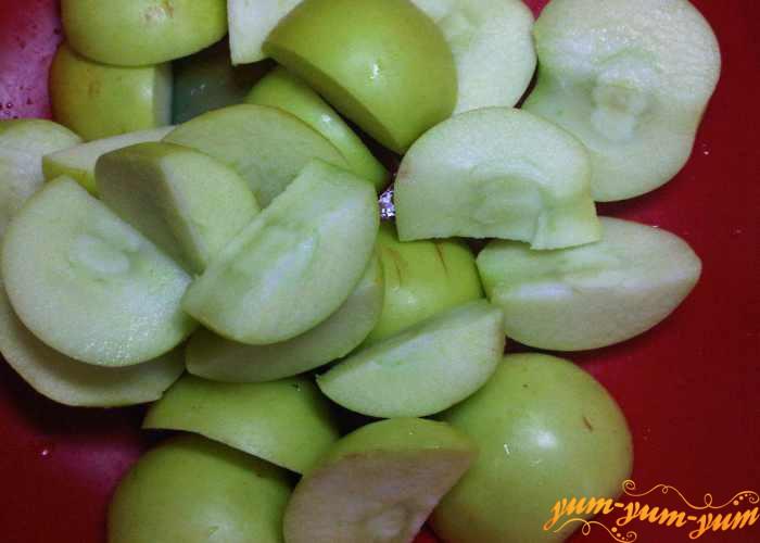 Очищаем яблоки от семян