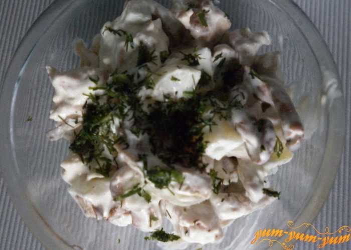 Готовый салат можно подавать к столу
