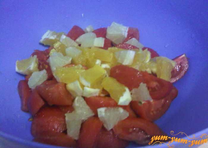 Нарезаем апельсины и лимоны мелко