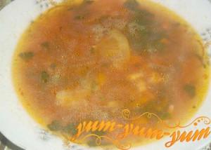 Готовый картофельный суп с креветками по-французски