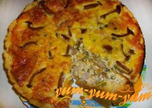 Приготовленная закуска с грибами и кукурузой