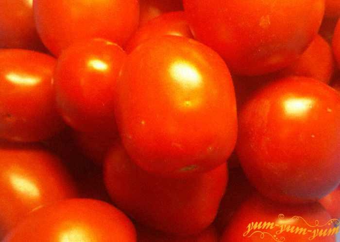 Выбрать для консервации только крепкие помидоры