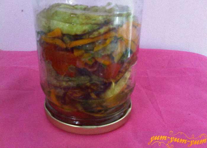 Закатываем салат из кабачка