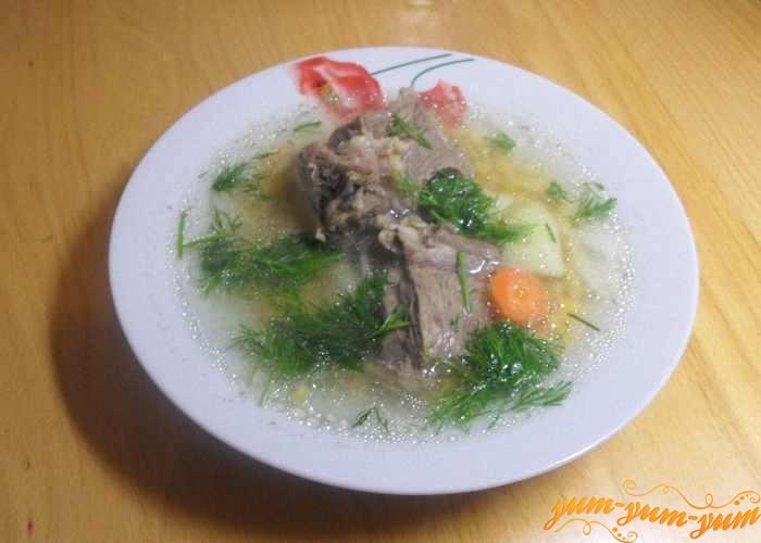 Гороховый суп с говядиной можно подавать к столу