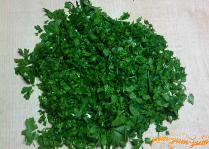 Зелень для рассольника с говядиной мелко режем