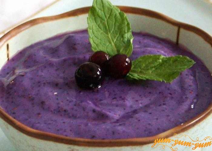 Черничный йогурт подаем к столу