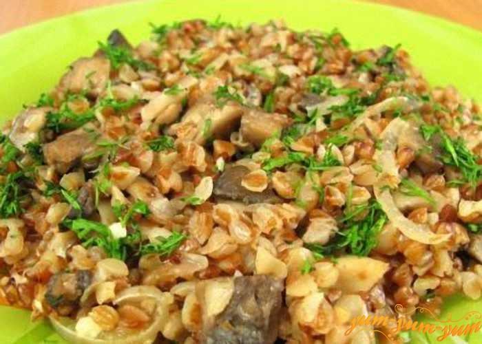 Гречневая каша с грибами готова