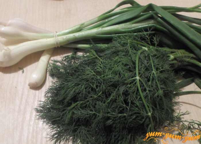 Свежая зелень для окуня в духовке