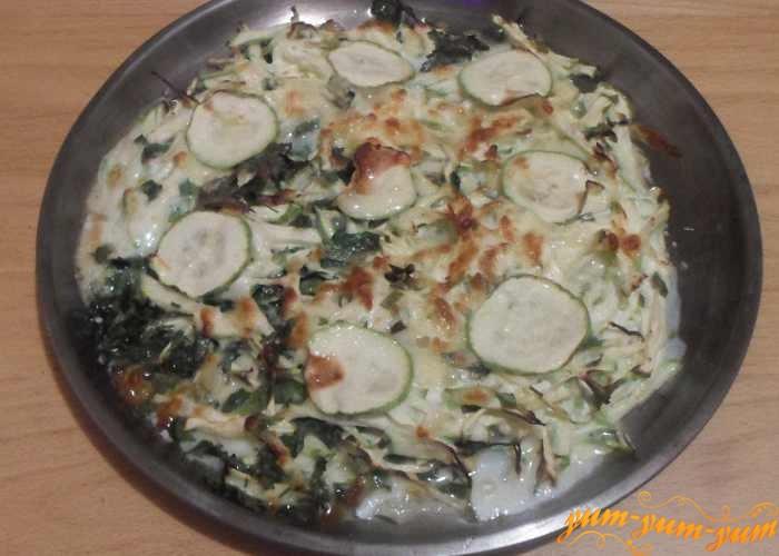 Запеканку из кабачков с сыром в духовке подаем к столу