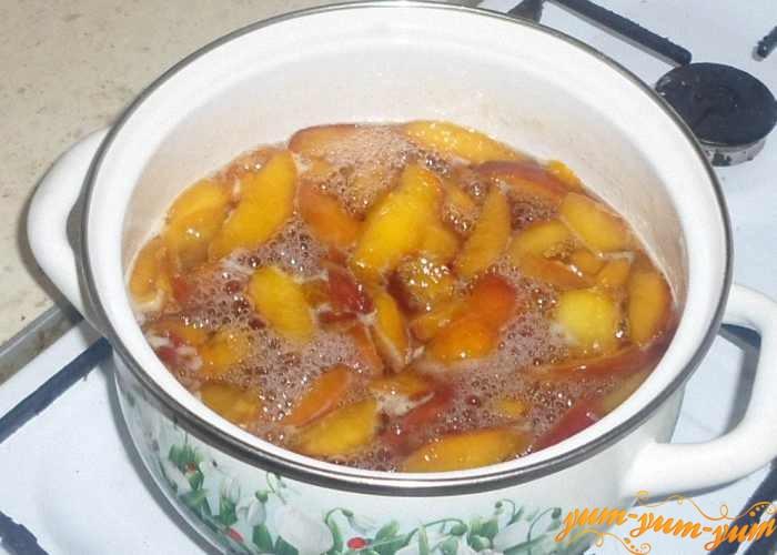 Персиковое варенье варить до готовности