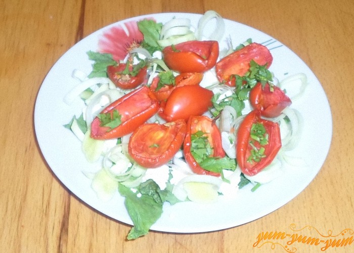 Добавить в салат вяленые помидоры