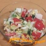 Как приготовить салат с крабовыми палочками помидорами и огурцами