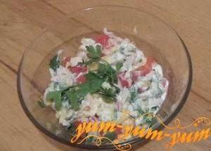 Как приготовить салат с куриной грудкой и помидорами
