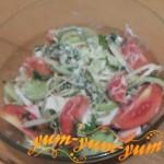 Как приготовить салат с редиской и помидорами