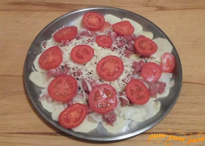 Картошку с помидорами и фаршем в духовке ставим в духовку