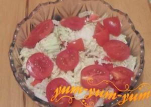 Рецепт салата с пекинской капустой и помидорами