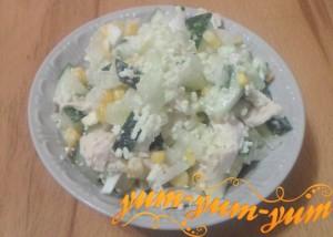 Как приготовить салат с грудкой и кукурузой