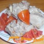 Как приготовить тушеную свинину с помидорами в мультиварке