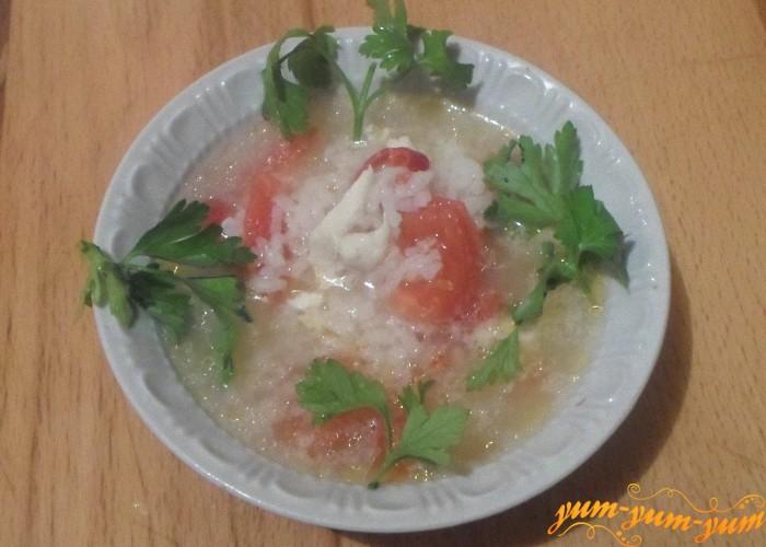 Куриный суп с помидорами подаем к столу