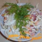 Как приготовить салат с капустой, колбасой и кукурузой