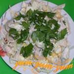 Как приготовить салат с курицей, шампиньонами и кукурузой