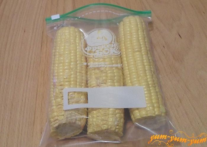 Как заморозить кукурузу в початках