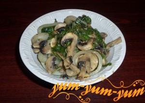 Тушеные грибы со шпинатом