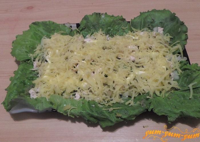 Вареный картофель натереть на крупной терке
